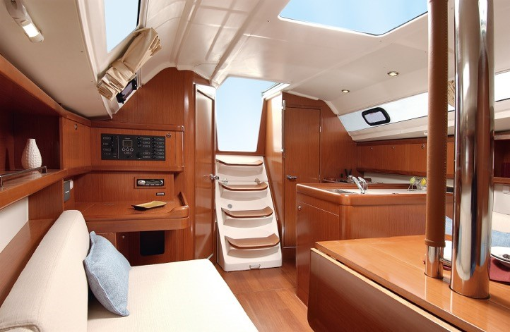 Photo of the interior of the Beneteau Oceanis